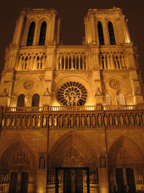 notre dame night 1 500x666 - Taking the Eurostar from London to Paris