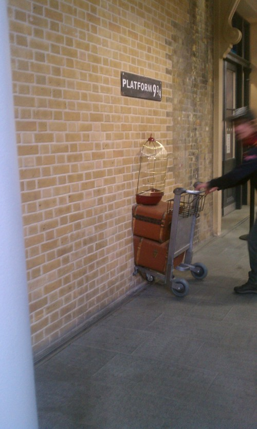 platform 9 34 500x836 - A day in London, England