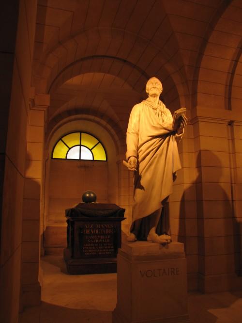 voltaire 500x666 - A day in Paris, France - Pantheon & Saint-Germain