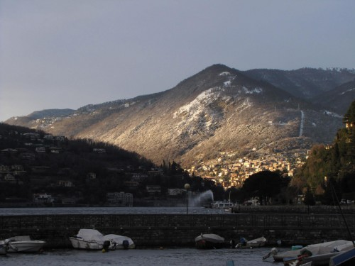 lake como snow 500x375 - Traveling from Rimini to Lake Como, Italy