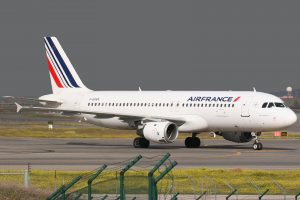 airfrance a320 300x200 - Video: Air France Airbus A320 aborts landing 3 times at Manchester Airport