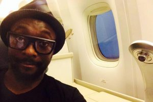 will i am plane united 300x200 - will.i.am of the Black Eyed Peas rants to United Airlines on Twitter after not being on time for flight
