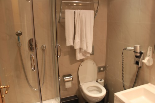 atlas grand hotel bathroom 500x333 - Exploring Garmisch-Partenkirchen, Germany + Atlas Grand Hotel review