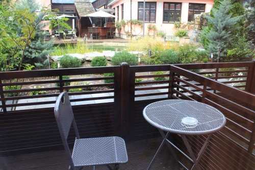 atlas grand hotel patio 500x333 - Garmisch-Partenkirchen + Atlas Grand Hotel review: Day 6