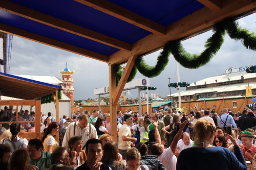 oktoberfest crowds outdoors 500x333 - Attending Opening Day of Oktoberfest in Munich, Germany