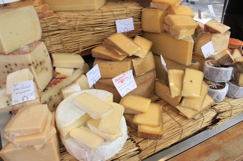 viktualienmarkt cheese 500x333 - Exploring the Old City Center of Munich, Germany: Day 8