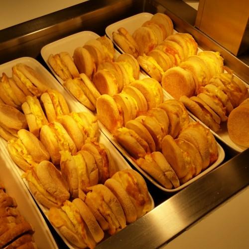 ba egg cheese sandwich lounge lhr 500x500 - British Airways South Galleries Club Lounge London Heathrow LHR Review: Around The World