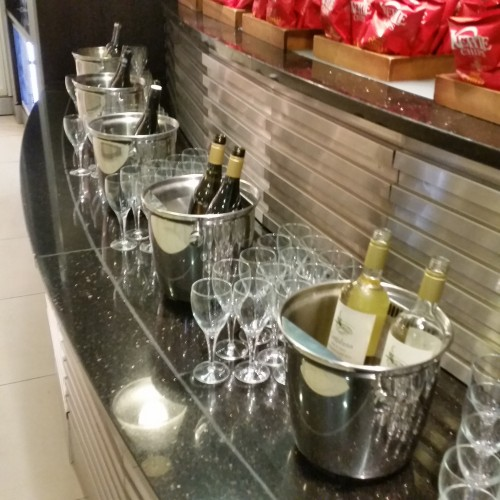ba lounge heathrow wine 500x500 - British Airways South Galleries Club Lounge London Heathrow LHR Review: Around The World