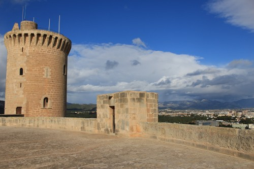 bellver castle 500x333 - Top 10 things to do in Palma de Mallorca, Spain: Around The World