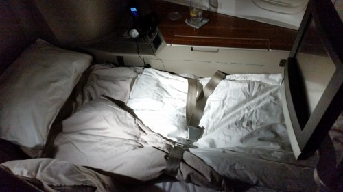 cathay-pacific-first-class-bed