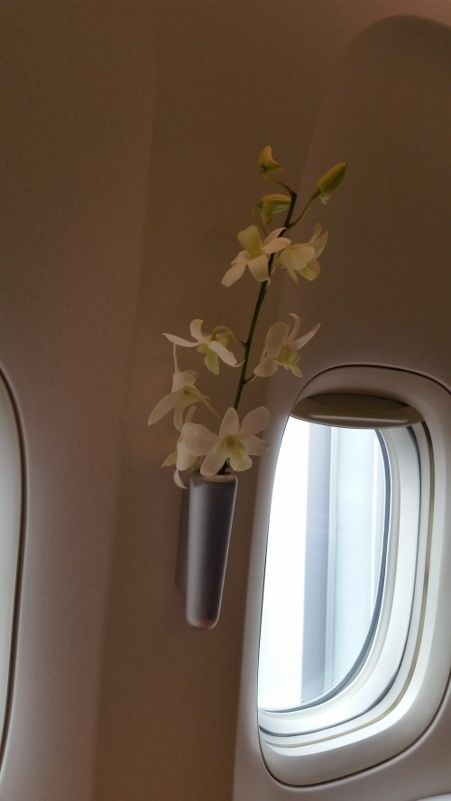 cathay-pacific-first-class-flowers