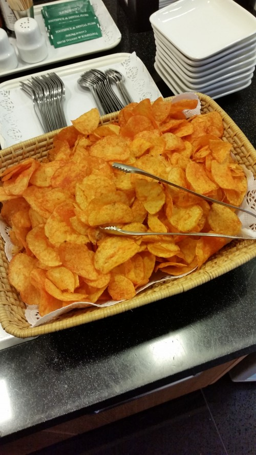 cathay pacific frankfurt lounge bbq chips 500x889 - Cathay Pacific First Class & Business Class Lounge Frankfurt FRA Review
