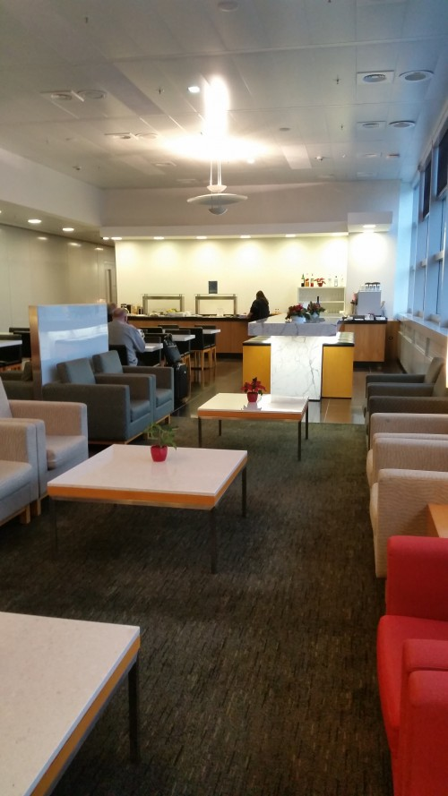 frankfurt cathay pacific lounge 500x889 - Cathay Pacific First Class & Business Class Lounge Frankfurt FRA Review