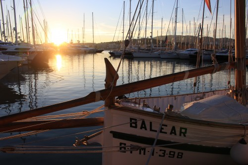 palma de mallorca harbor sunset 500x333 - Top 10 things to do in Palma de Mallorca, Spain: Around The World