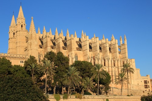 palma mallorca cathedral 500x333 - Top 10 things to do in Palma de Mallorca, Spain: Around The World