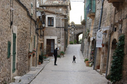 valldemossa town streets 500x333 - Valldemossa, Mallorca, Spain: Around The World