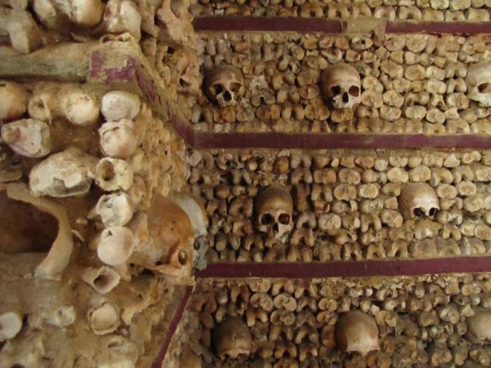 chapel of bones capela dos ossos faro 700x525 - Photo of the Day: Chapel of Bones, Faro, Portugal