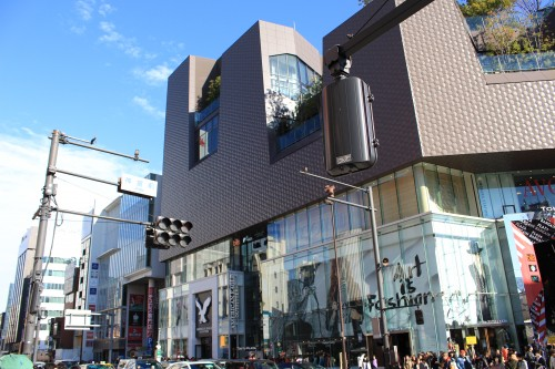 harajuku shopping 500x333 - Exploring Shinjuku, Harajuku, & Shibuya + my first Ichiran ramen experience - Tokyo, Japan