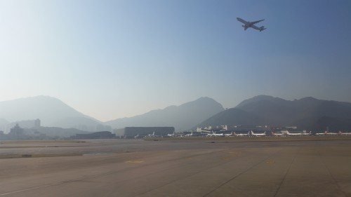hong-kong-international-airport-planes