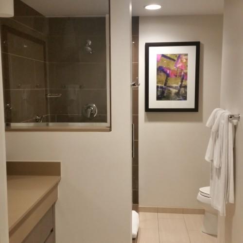 hyatt house bathroom 500x500 - Hyatt House Pittsburgh South Side: Hotel Review