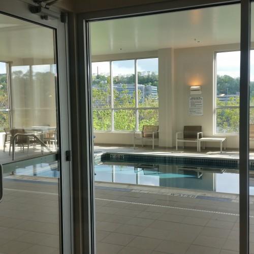 hyatt house pool 500x500 - Hyatt House Pittsburgh South Side: Hotel Review
