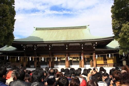meiji shrine tokyo 500x333 - A New Year Hatsumode visit to Meiji Jingu shrine in Tokyo, Japan