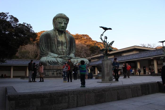 great buddha kamakura daibutsu 700x467 - A day trip to Kamakura from Tokyo, Japan