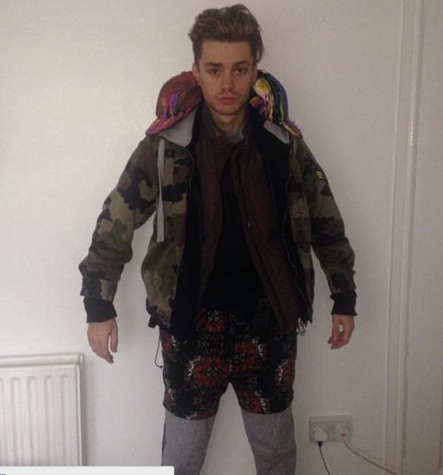 james mcelvar rewind clothes collapse - Boyband singer collapses after wearing all his clothes to avoid EasyJet baggage fee