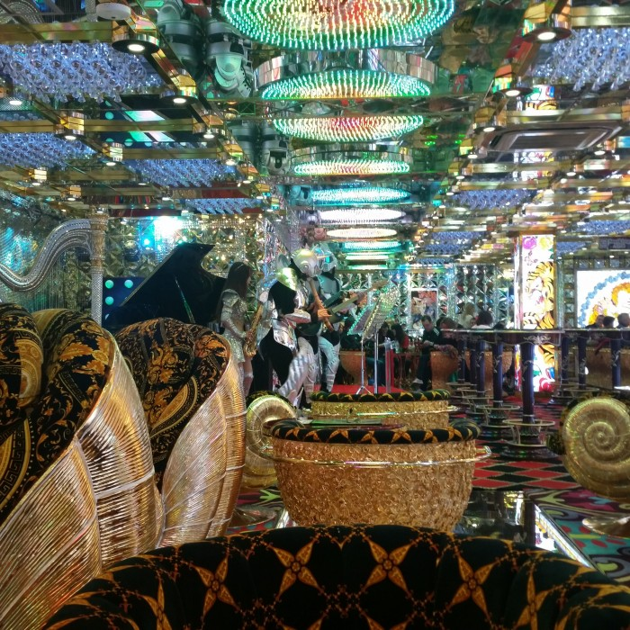 robot restaurant lounge 700x700 - Exploring the toilets, arcades, & Robot Restaurant in Shinjuku - Tokyo, Japan