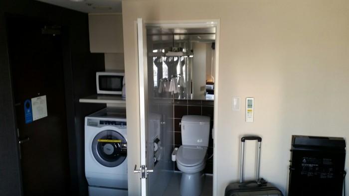 tokyu stay nishi shinjuku washing machine 700x394 - Tokyu Stay Nishi Shinjuku hotel review: Around The World