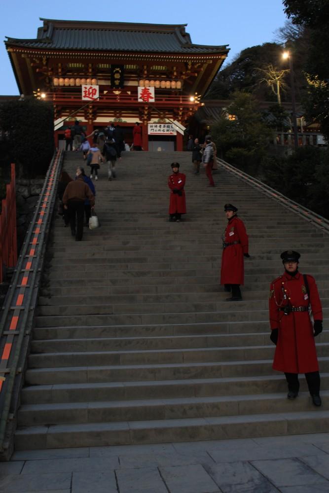 tsurugaoka hachimangu 667x1000 - A day trip to Kamakura from Tokyo, Japan