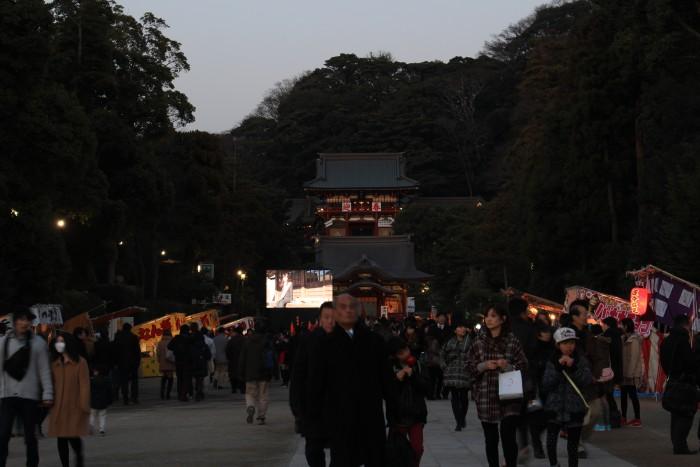 tsurugaoka hachimangu shrine 700x467 - A day trip to Kamakura from Tokyo, Japan