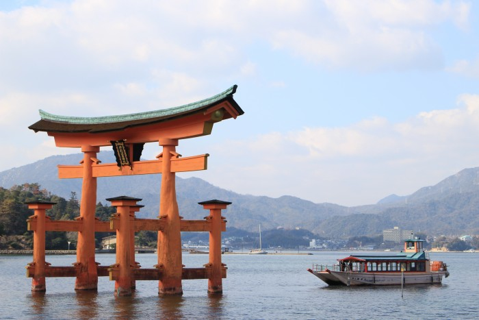 floating torii gate 700x467 - A day trip to Miyajima from Kyoto, Japan
