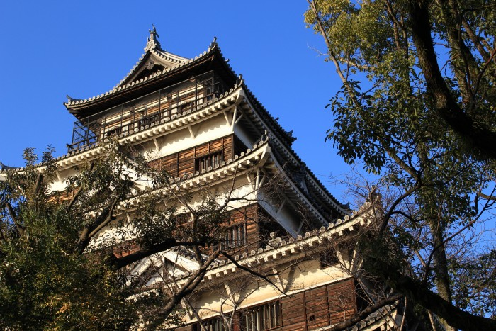 hiroshima castle 700x467 - A day trip to Hiroshima from Kyoto, Japan