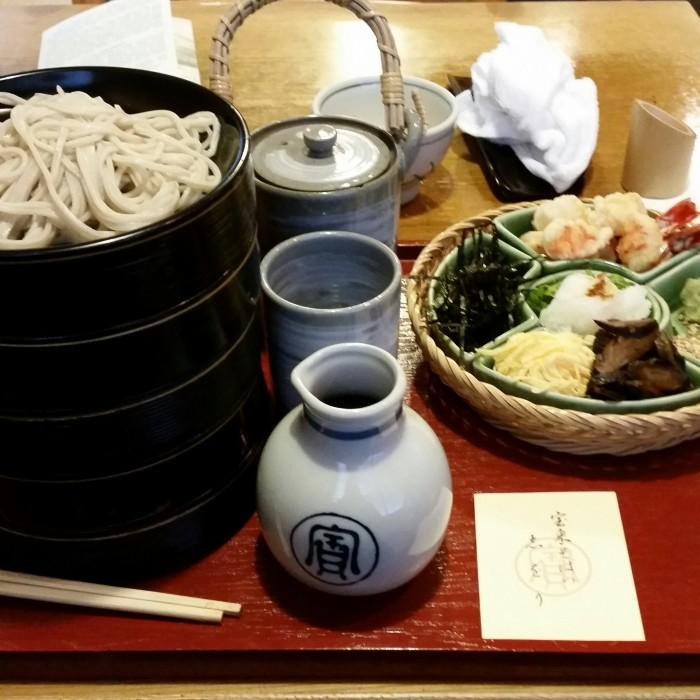 honke owariya hourai soba 700x700 - A visit to Imperial Palace, Philosopher's Walk, Ginkakuji Temple in Kyoto, Japan