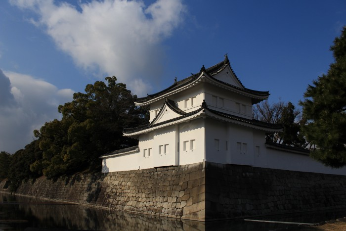 nijo castle 700x467 - A visit to Imperial Palace, Philosopher's Walk, Ginkakuji Temple + eating at one of the world's oldest restaurants in Kyoto, Japan