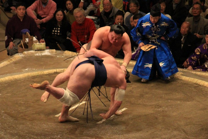 sumo wrestling 700x467 - Attending the Grand Sumo Tournament in Tokyo, Japan