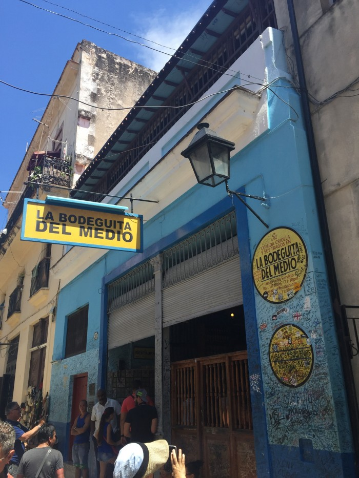 bodeguita del medio 700x933 - Drinking with Ernest Hemingway in the bars of Havana Vieja