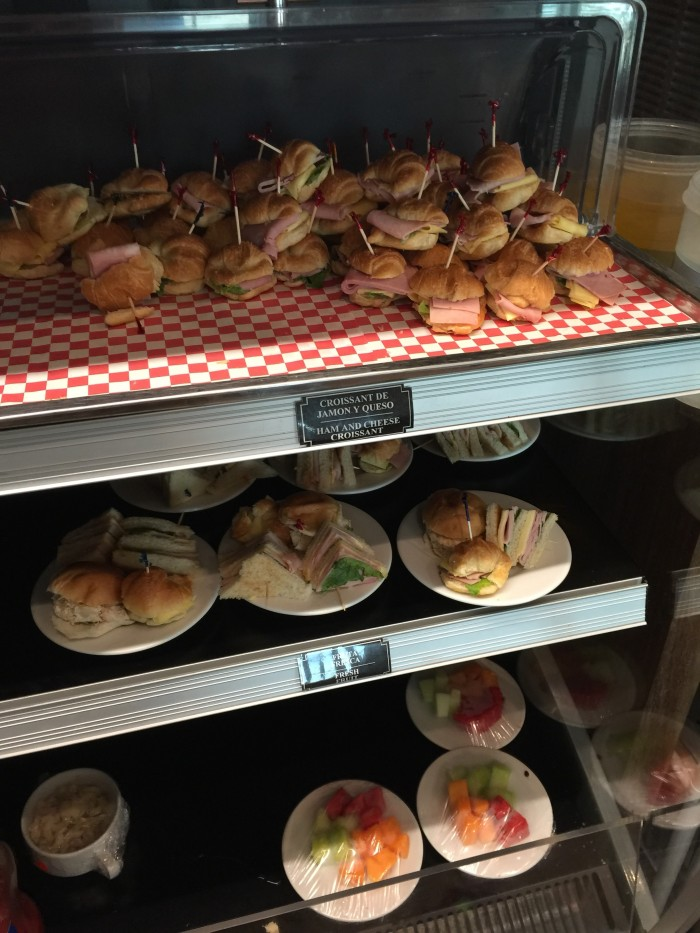 cancun business lounge food 700x933 - Mera Business Lounge Terminal 2 Cancun CUN review