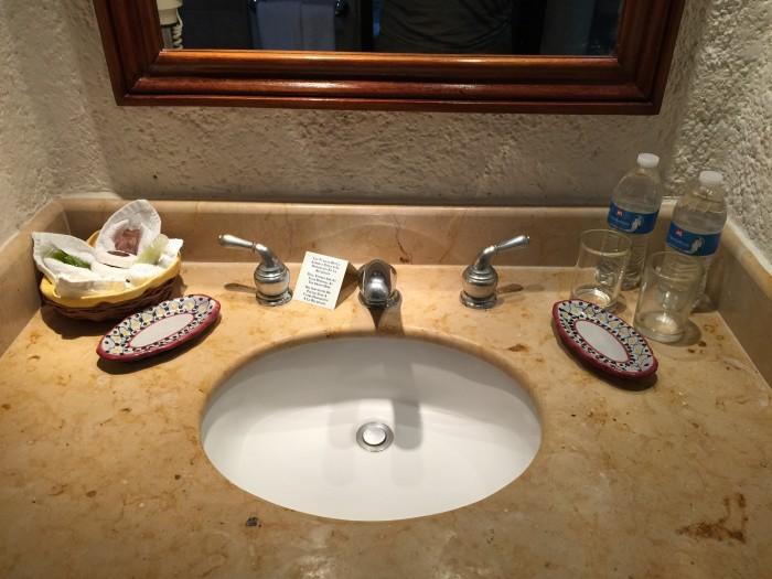 hotel villas chichen itza 700x525 - Hotel Villas Arqueologicas Chichen Itza, Mexico review