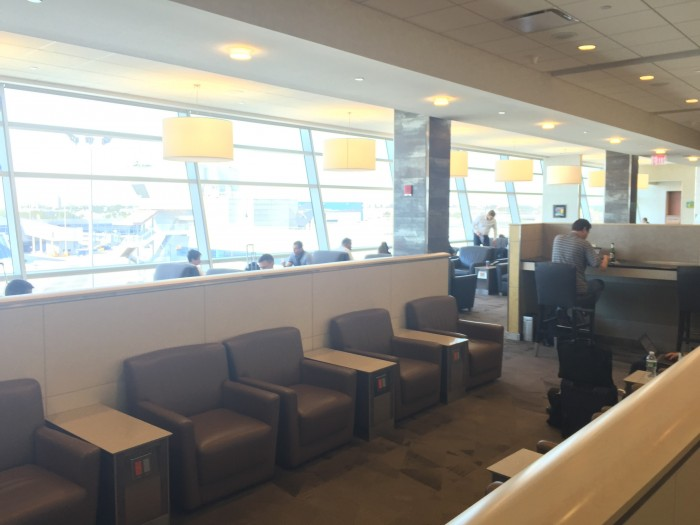 aa flagship lounge jfk 700x525 - American Airlines Flagship Lounge New York JFK review
