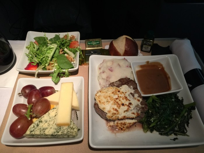 american airlines business class dinner 700x525 - American Airlines Business Class Boeing 767-300 New York JFK to Manchester MAN review