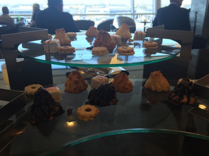 american flagship lounge jfk dessert 700x525 - American Airlines Flagship Lounge New York JFK review