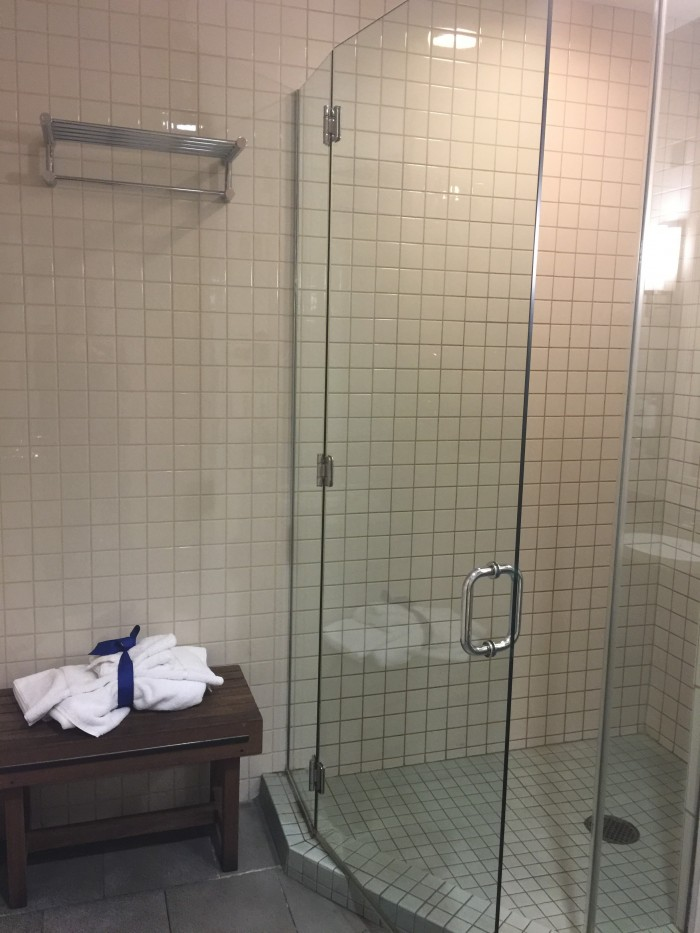 american flagship lounge jfk shower 700x933 - American Airlines Flagship Lounge New York JFK review