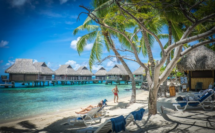 bora bora 700x433 - Travel Contests: November 11, 2015 - Bora Bora, Las Vegas, Hawaii & more