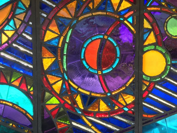marcy avenue stained glass 700x525 - A quick layover in New York City from JFK airport - wandering, bagels, & pizza