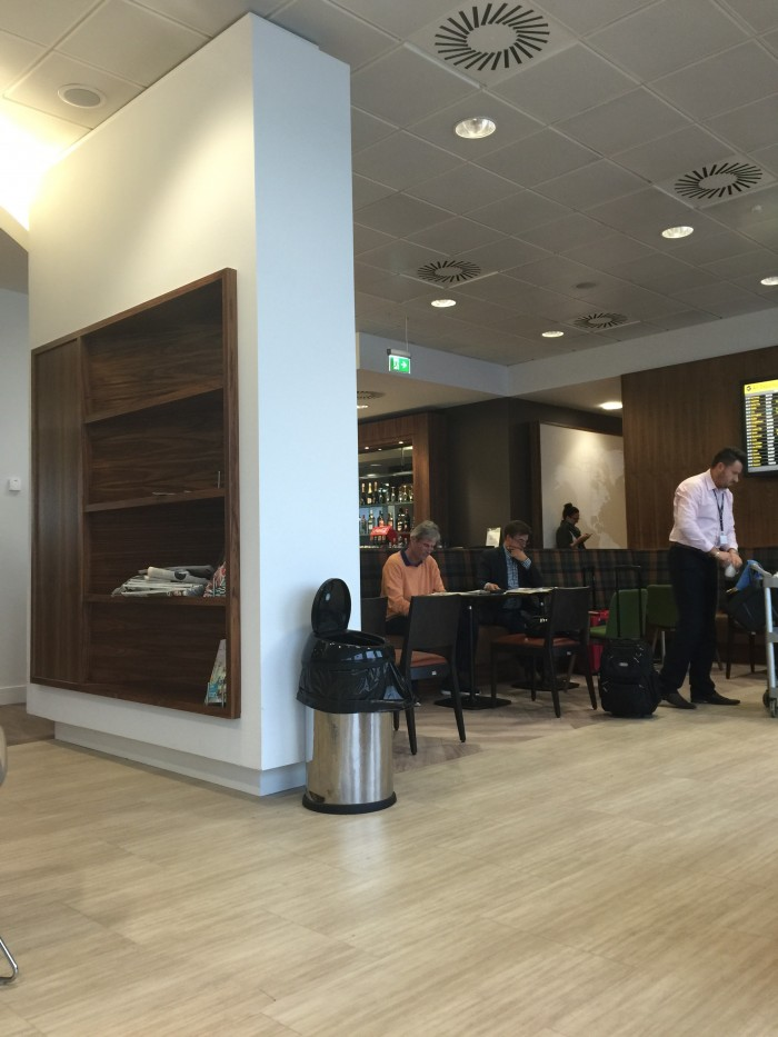 upper deck lounge 700x933 - Upperdeck Airport Lounge Glasgow GLA review