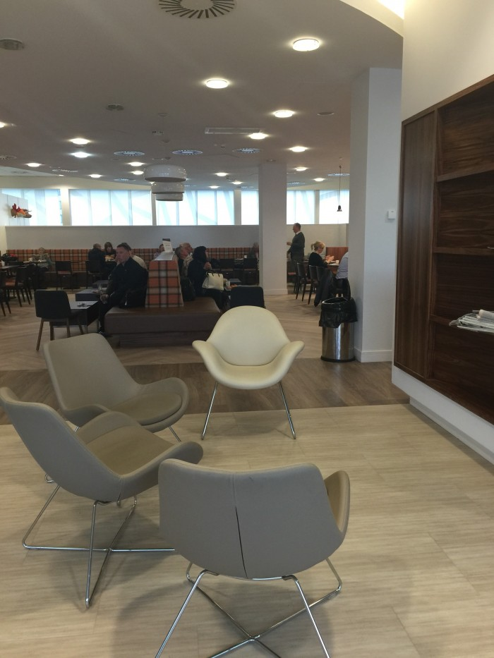 upperdeck lounge gla 700x933 - Upperdeck Airport Lounge Glasgow GLA review