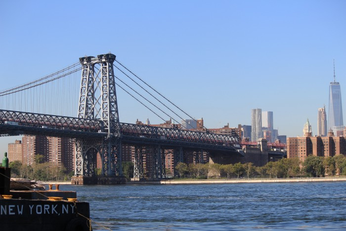 williamsburg bridge grand ferry park 700x467 - A quick layover in New York City from JFK airport