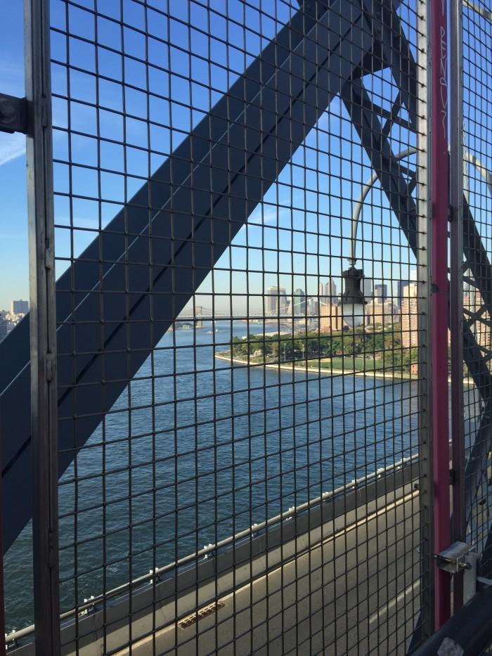 williamsburg bridge manhattan 700x933 - A quick layover in New York City from JFK airport